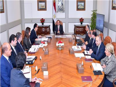 الرئيس عبد الفتاح السيسي خلال اجتماعه مع الدكتور مصطفي مدبولي