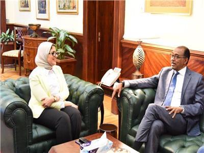وزيرة الصحة  د.هالة زايد مع مدير برنامج مكافحة الإيدز بالأمم المتحدة
