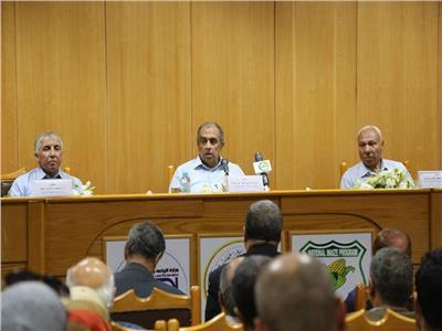د. عزالدين أبوستيت وزير الزراعة