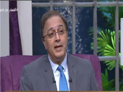 أيمن صادق أستاذ علم الاجتماع السياسي