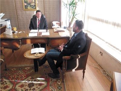 السفير خالد ثروت خلال حواره مع «الأخبار»