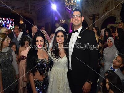 صوفينار مع العروسين