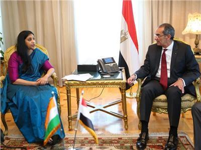 وزير الاتصالات الدكتور عمرو طلعت و ائبة وزير الاتصالات الهندي خلال اللقاء