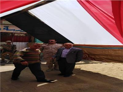 لجان الانتخابية بشبرا الخيمة تتزين قبل الاستفتاء على الدستور