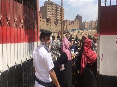استئناف التصويت باللجان الانتخابية بالهرم للاستفتاء علي التعديلات الدستورية