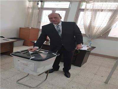 """الدكتور حسين أبو العطا، رئيس حزب """"مصر الثورة"""