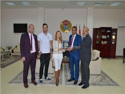 رئيس جامعة أسوان مع المستشارة الثقافية بسفارة  أسبانيا بالقاهرة
