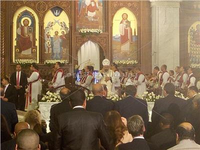 ترجمة مراسم قداس عيد القيامة بلغة الإشارة