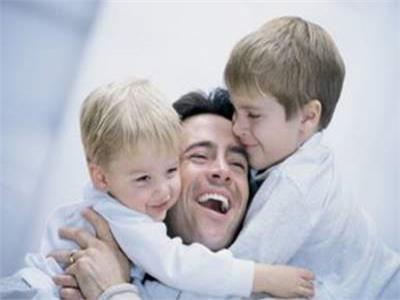 أهمية دور الأب في حياة أطفاله