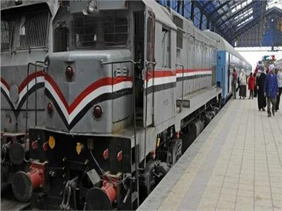 قطارات السكك الحديدية - أرشيفية
