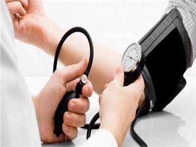 صورة تعبيرية لقياس ضغط المرضى