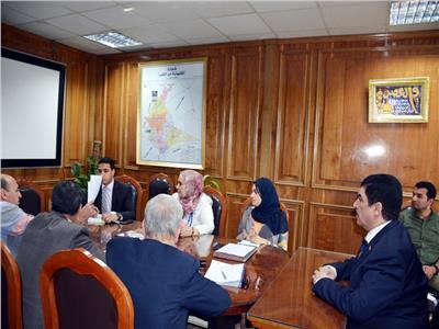 محافظ القليوبية يعقد اجتماعا تنسيقيا مع الأبنية التعليمية