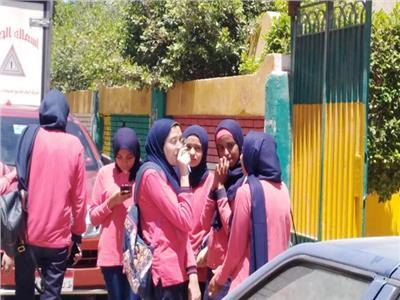 طلاب مدرسة الغردقة بنات
