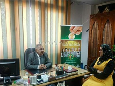 الدكتور صفوت النحاس مع محررة بوابة أخبار اليوم
