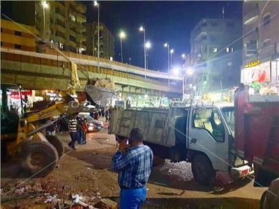 حملة مكبرة بحي العمرانية لإزالة إشغالات شارع عثمان محرم