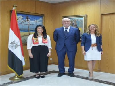 وزيرة السياحة والسفير الإسباني بالقاهرة يبحثان تعزيز التعاون
