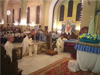 كاتدرائية وبازيلك العذراء السيدة فاتيما للكلدان تختتم الشهر المريمي