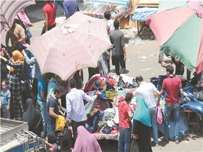 انتعاش سوق بيع الملابس بالعتبة