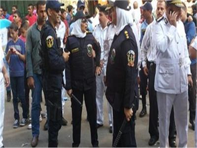 الشرطة النسائية تنتشر بالشوارع لتأمين الفتيات