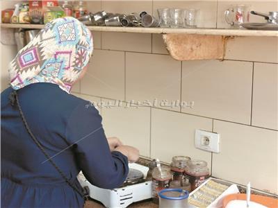 عاملات المنازل يعملن في ظروف صعبة يغيب عنها القانون - تصوير كريم فاروق إبراهيم