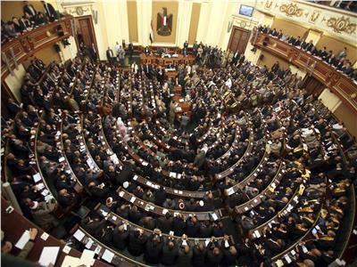 البرلمان: الرئيس السيسي يراجع الموازنة العامة بالجنيه