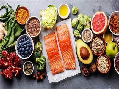 النظام الغذائي عالي السعرات الحرارية يضر بصحة الدماغ