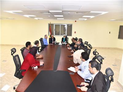 مسئولو وزارة الصحة خلال متابعة منظومة التأمين الصحي ببورسعيد