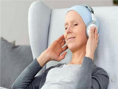 الموسيقى  تخفف آلام مرضى السرطان وتحد من فقدان الشهية وصعوبة التركيز