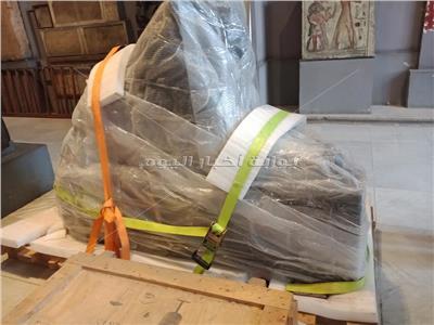 ننشر صورة تمثال امنحتب الثالث قبل نقله الى المتحف الكبير