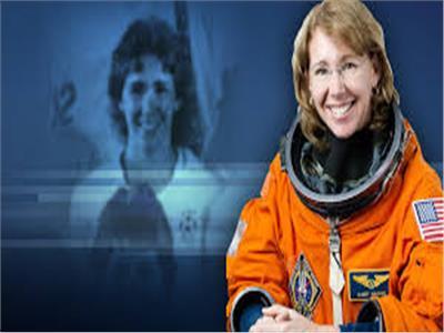 رائدة الفضاء الأمريكية ساندرا هال ماجنوس