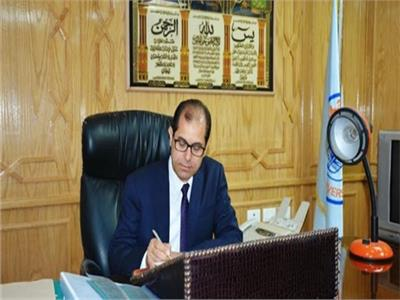 الدكتور يوسف عامر