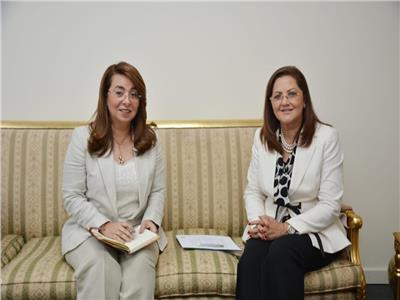 غادة والي وزيرة التضامن الاجتماعي والدكتورة هالة السعيد وزيرة التخطيط