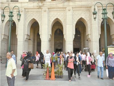 مجمع التحرير يخدم مائة ألف مواطن يوميا
