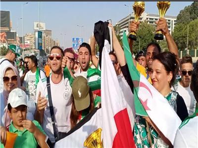 جماهير الجزائرتحتشد أمام ستاد القاهرة قبل لقاء السنغال