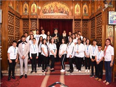 تسابيح كورال كنيسة العراق في اجتماع البابا تواضروس