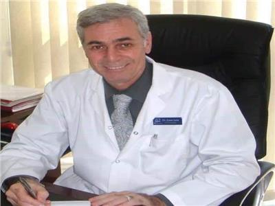 الدكتور أيمن السيد سالم