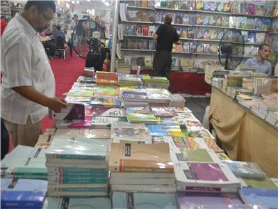 إصدارات مكتبة الأسرة بمعرض الإسكندرية الصيفي للكتاب