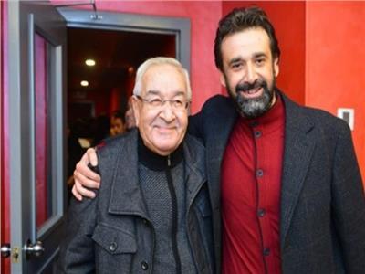 المخرج محمد عبد العزيز مع ابنه الفنان كريم عبد العزيز