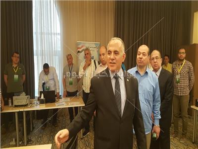 رئيس البعثة المصرية للحج يستمع لاعمال البعثة السياحية