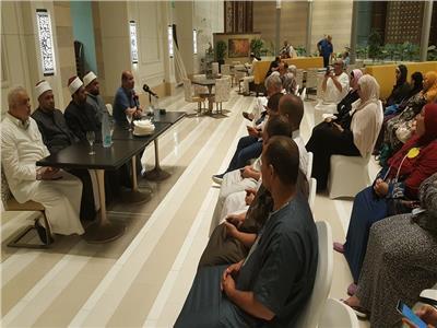 مشايخ الاوقاف يشاركون فى ندوات دينية لحجاج طيران السياحة