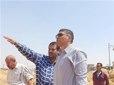 جهاز القاهرة الجديدة يتابع أعمال تطوير الطرق وإزالة التعديات والإشغالات بالمدينة