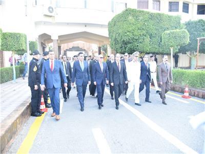 محافظ بورسعيد يهنىء قوات امن بورسعيد بعيد الاضحى المبارك