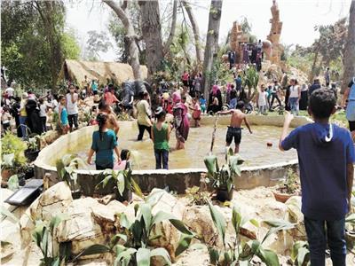 حديقة عفلة استقطبت عشرات الآلاف من الأسر