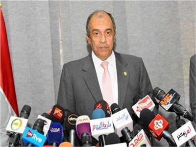 د. عزالدين أبوستيت وزير الزراعة واستصلاح الأراضى