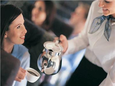 هل شرب الشاي والقهوة على الطائرات آمن؟