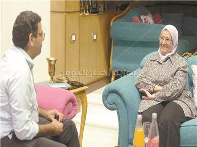 د.إلهام محمود خلال الحوار - تصوير إيهاب عيد