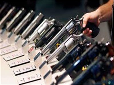 نجوم الفن الأمريكيون يدعون للحد من حيازة الأسلحة النارية