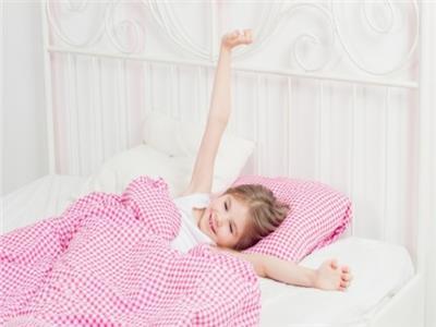 قبل الدراسة .. 3 نصائح لاستيقاظ الطفل مبكرًا