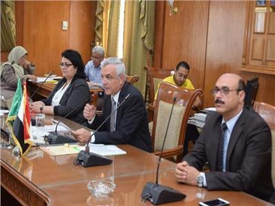 رئيس جامعة المنوفية يشهد الجلسة الأولى لمجلس خدمة المجتمع