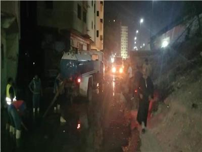 شفط مياه الصرف بشارع 6 أكتوبر ببولاق الدكرور